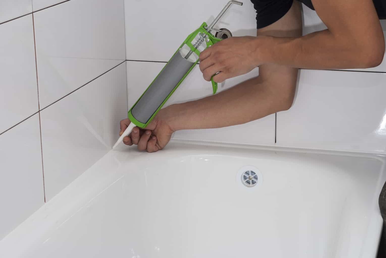 Why Your Bathroom Caulk Keeps Cracking And What To Do